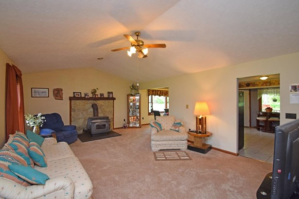 Single Family Residence, Ranch - Harlan Twp, OH (photo 3)