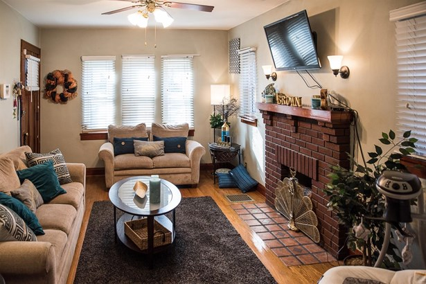 Cape Cod, Single Family Residence - Cincinnati, OH (photo 3)