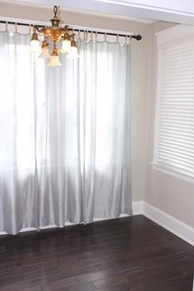 Transitional, Single Family Residence - Norwood, OH (photo 4)