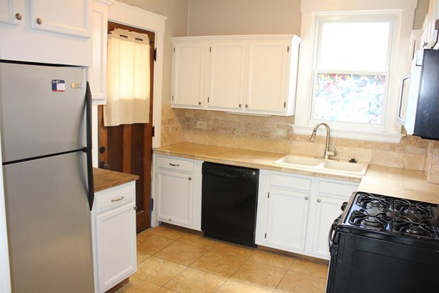 Transitional, Single Family Residence - Norwood, OH (photo 5)