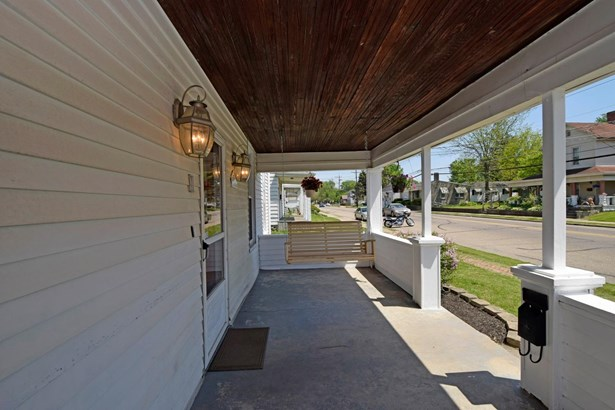 Single Family Residence, Traditional - Harrison, OH (photo 2)