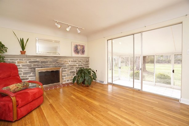 Single Family Residence, Ranch - Sycamore Twp, OH (photo 5)
