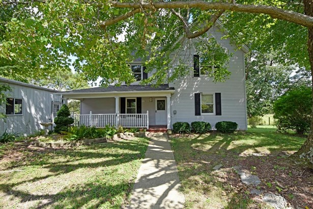 Single Family Residence, Traditional - Franklin Twp, OH (photo 1)