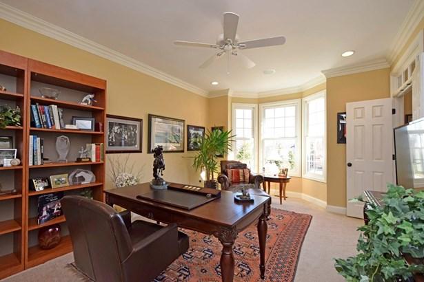 Transitional, Single Family Residence - Madeira, OH (photo 4)
