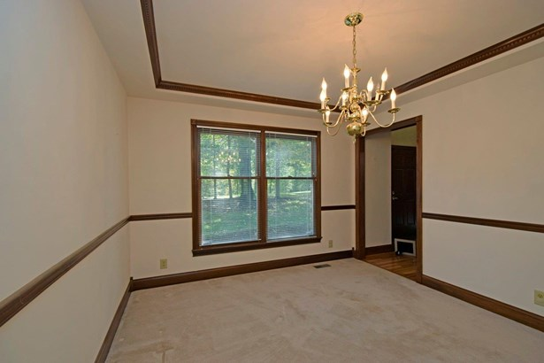 Single Family Residence, Colonial - Union Twp, OH (photo 3)