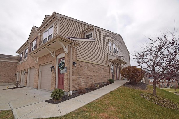 Transitional, Condominium - Green Twp, OH (photo 2)