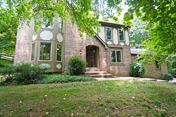 Transitional,Tudor, Single Family Residence - Anderson Twp, OH