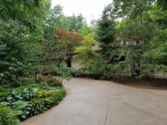 Single Family Residence, Mission - Glendale, OH (photo 3)