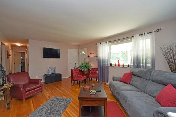Single Family Residence, Ranch - Springdale, OH (photo 4)