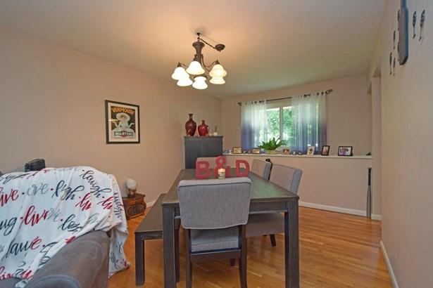 Single Family Residence, Ranch - Springdale, OH (photo 5)