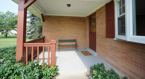 Single Family Residence, Ranch - Miami Twp, OH (photo 2)
