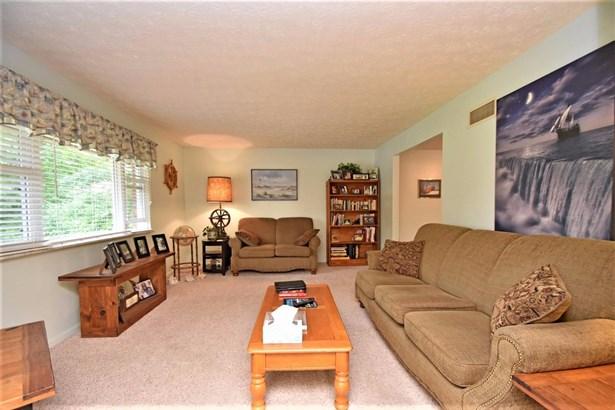 Single Family Residence, Ranch - Lawrenceburg, IN (photo 2)