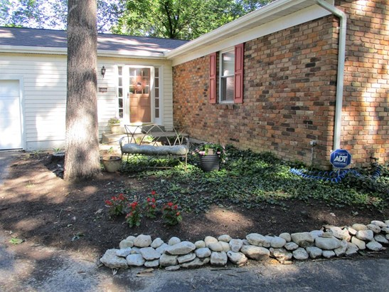 Single Family Residence, Traditional,Ranch - Loveland, OH (photo 2)