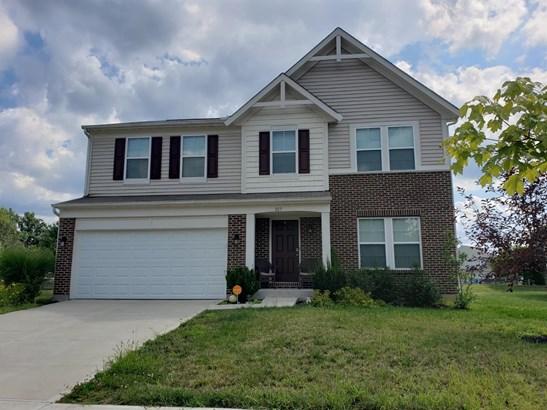 Transitional, Single Family Residence - Hamilton Twp, OH