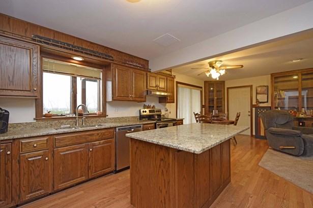 Single Family Residence, Traditional - Wayne Twp, OH (photo 2)
