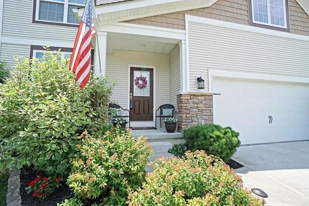 Transitional, Single Family Residence - Goshen Twp, OH (photo 2)