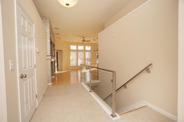 Transitional, Single Family Residence - South Lebanon, OH (photo 2)