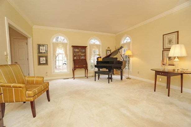 Single Family Residence, Traditional - Sharonville, OH (photo 5)