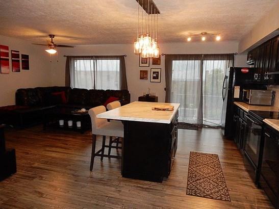 Condominium, Traditional - Cincinnati, OH (photo 5)