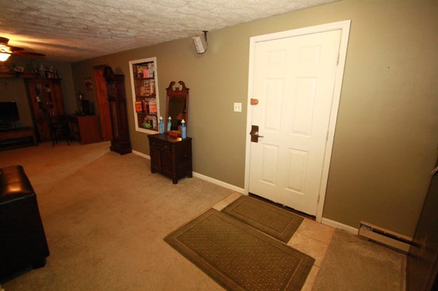 Single Family Residence, Ranch - Aurora, IN (photo 2)