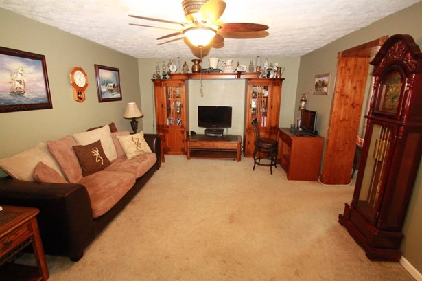Single Family Residence, Ranch - Aurora, IN (photo 3)