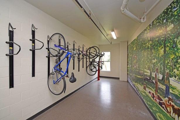 Contemporary, Apartment - Cincinnati, OH (photo 4)