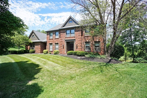 Single Family Residence, Traditional - Blue Ash, OH (photo 1)