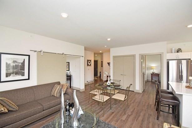 Contemporary, Apartment - Cincinnati, OH (photo 5)