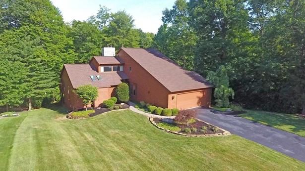Single Family Residence, Contemporary - Sharonville, OH (photo 2)