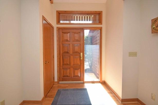 Single Family Residence, Contemporary - Sharonville, OH (photo 3)
