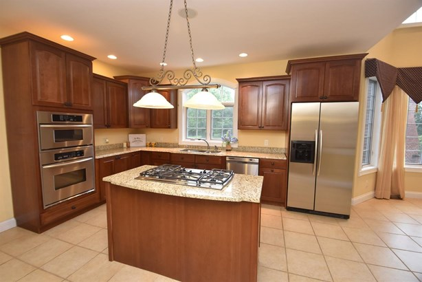 Transitional, Single Family Residence - Union Twp, OH (photo 5)