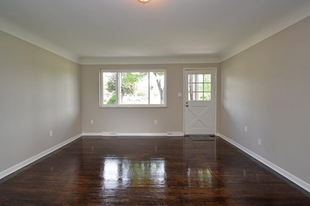 Single Family Residence, Ranch - Harrison, OH (photo 5)