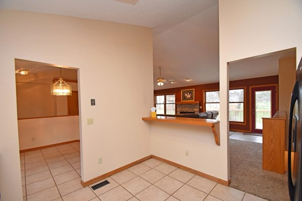 Ranch,Traditional, Single Family Residence - Lawrenceburg, IN (photo 5)
