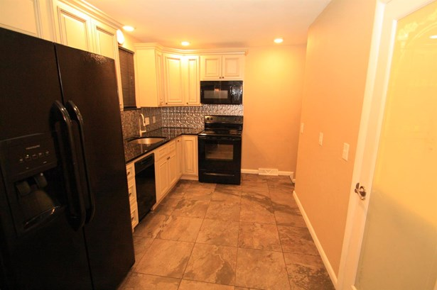 Single Family Residence, Ranch - Colerain Twp, OH (photo 5)