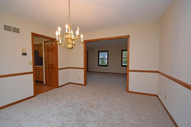Single Family Residence, Traditional - Union Twp, OH (photo 5)