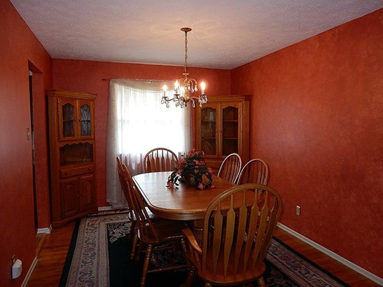 Single Family Residence, Traditional - Colerain Twp, OH (photo 5)