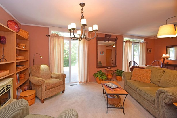 Single Family Residence, Traditional - Greenhills, OH (photo 5)