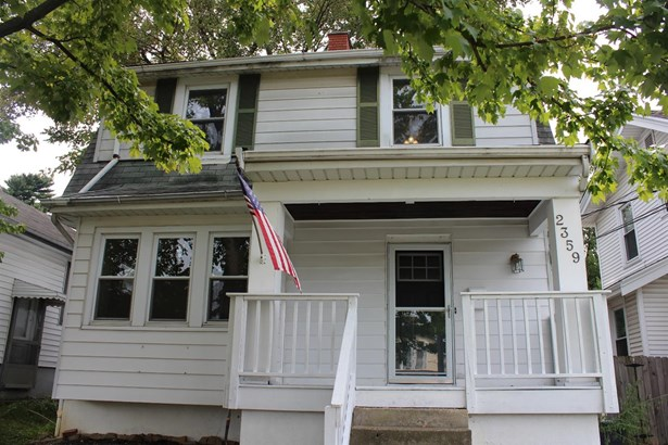 Single Family Residence, Traditional - Norwood, OH (photo 2)