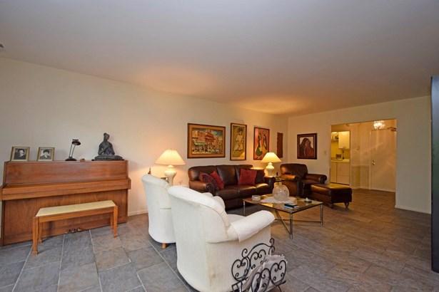 Condominium, Traditional - Cincinnati, OH (photo 4)