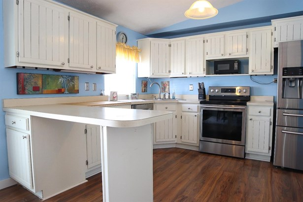 Single Family Residence, Traditional - Loveland, OH (photo 5)