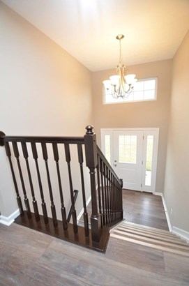 Single Family Residence, Traditional - Franklin, OH (photo 3)