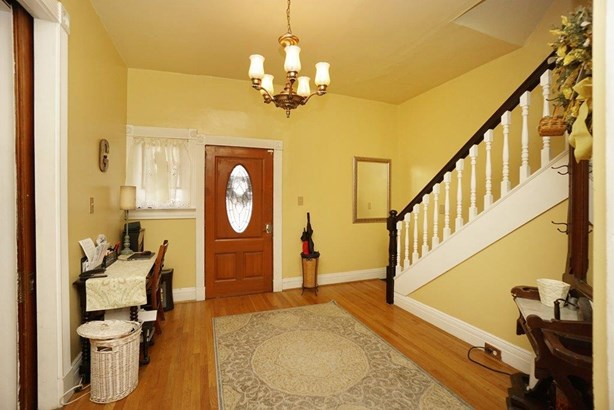 Single Family Residence, Victorian - Norwood, OH (photo 3)
