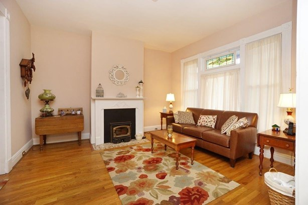 Single Family Residence, Victorian - Norwood, OH (photo 4)