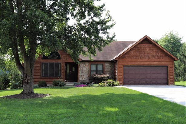 Single Family Residence, Ranch,Transitional - Miami Twp, OH (photo 1)