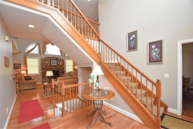 Single Family Residence, Traditional - Harrison, OH (photo 4)