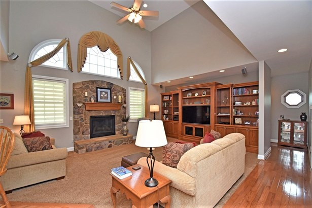 Single Family Residence, Traditional - Harrison, OH (photo 5)