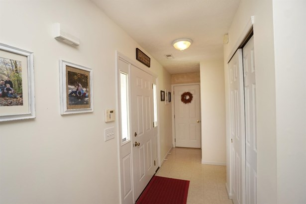 Single Family Residence, Traditional - Washington Twp, OH (photo 5)