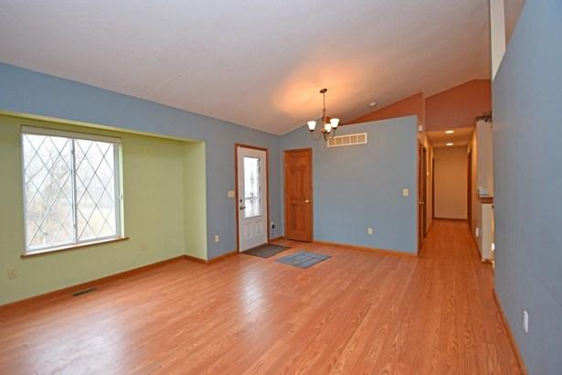 Single Family Residence, Ranch - Lawrenceburg, IN (photo 5)