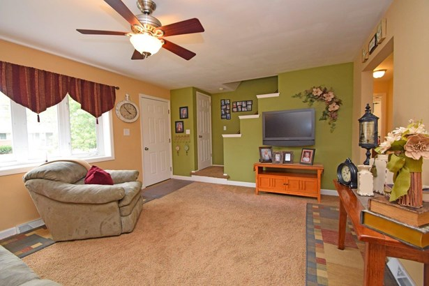 Cape Cod, Single Family Residence - Colerain Twp, OH (photo 4)