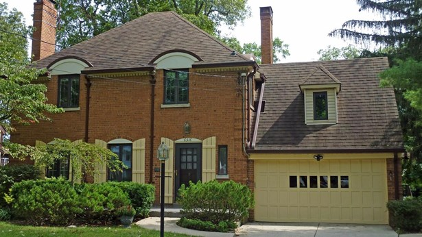Single Family Residence, Traditional - North College Hill, OH (photo 1)